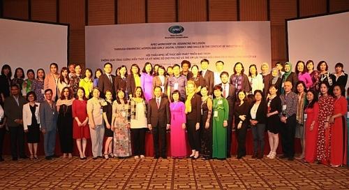 Tăng cường kiến thức và kỹ năng số cho phụ nữ và trẻ em gái thời 4.0