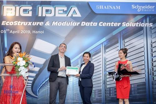 Thúc đẩy phân phối các sản phẩm của Schneider Electric IT tại Việt Nam
