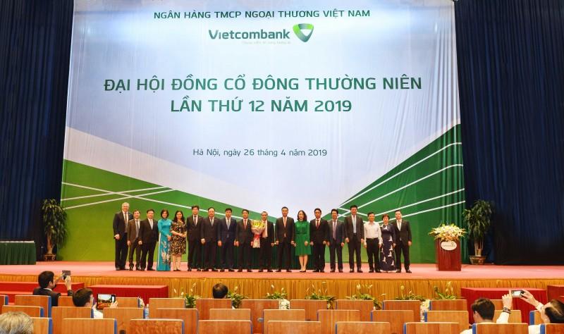 vietcombank to chuc thanh cong dai hoi dong co dong thuong nien lan thu 12