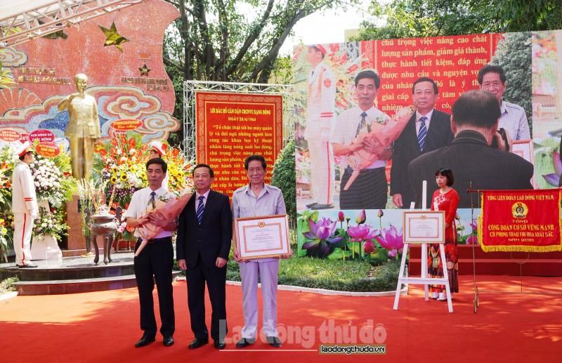 55 nam nguoi rang dong van khac sau nhung loi bac day
