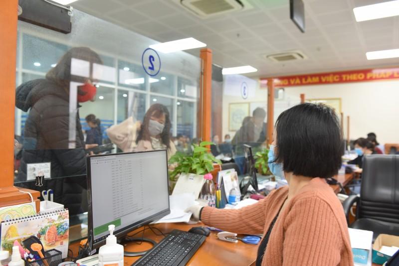 BHXH Hà Nội: Chỉ tiếp nhận hồ sơ trong trường hợp cấp thiết