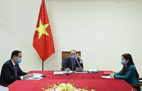 Thủ tướng Nguyễn Xuân Phúc điện đàm với Tổng thống Hàn Quốc về phòng chống dịch Covid-19