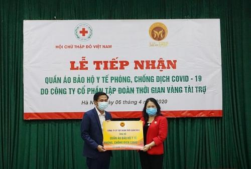Tiếp nhận 5.540 bộ quần áo bảo hộ y tế, chung tay cùng tuyến đầu chống dịch