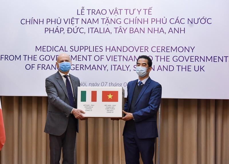 Hàng không Việt Nam đón một số công dân từ vùng dịch Italia về nước