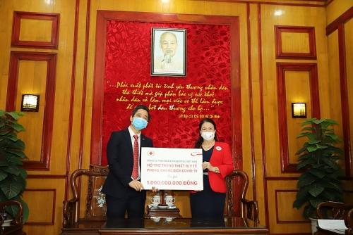 Trao tặng vật tư y tế tới 10 bệnh viện tuyến đầu điều trị Covid-19