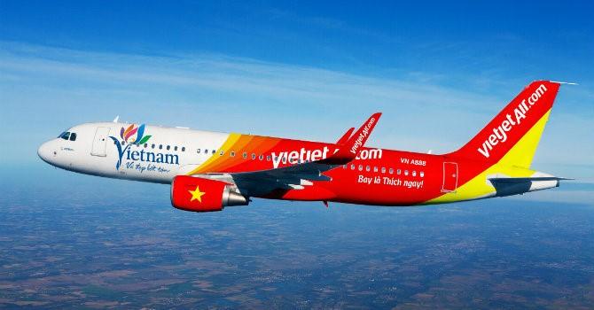 Đưa hơn 200 công dân Việt Nam từ Singapore về nước an toàn