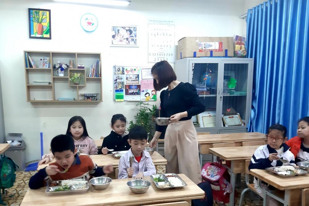 Khuyến khích trẻ em ăn uống lành mạnh và chăm vận động từ khi còn nhỏ