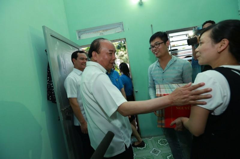 thu tuong nguyen xuan phuc tham khu tro cua cong nhan lao dong