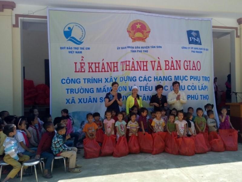 Gần 600 triệu đồng hỗ trợ các điểm trường tại Phú Thọ