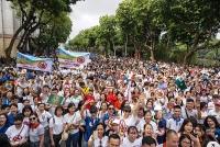 """Hàng nghìn người dân Thủ đô đi bộ, kêu gọi """"Đã uống rượu bia - không lái xe'"""