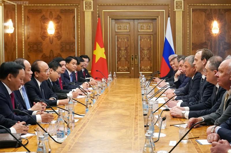 Thủ tướng Chính phủ Nguyễn Xuân Phúc hội kiến Chủ tịch Đu-ma quốc gia Nga
