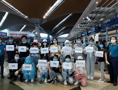 Việt Nam đón hơn 270 công dân từ Malaysia về nước