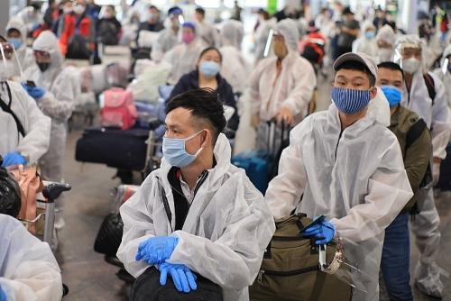 Đón hơn 340 công dân Việt Nam từ Liên bang Nga về nước an toàn