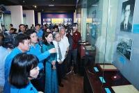 Trưng bày hơn 200 hiện vật về Chủ tịch Hồ Chí Minh với công nhân và Công đoàn Việt Nam