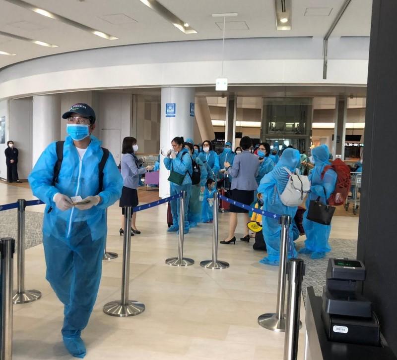 Tiếp tục đưa hơn 340 công dân Việt Nam từ Nhật Bản về nước an toàn
