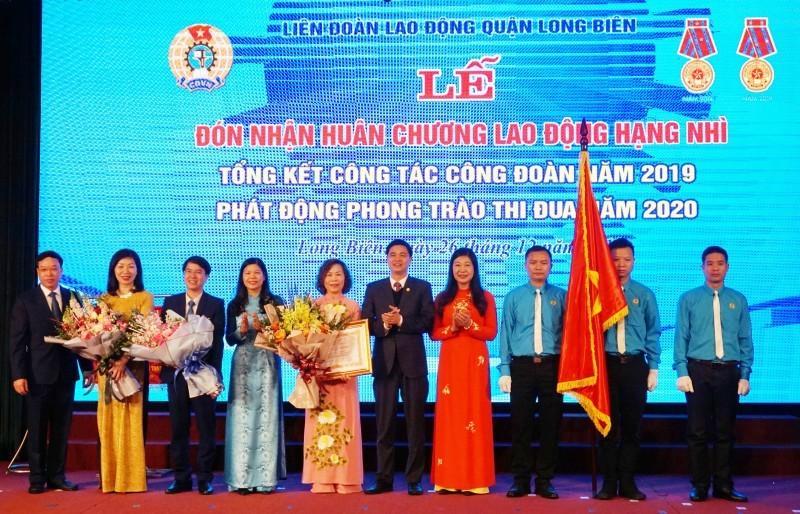 Tổng Liên đoàn đề nghị Chủ tịch nước, Thủ tướng Chính phủ khen thưởng 44 tập thể, cá nhân