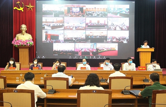 Người ứng cử đại biểu Quốc hội khoá XV tiếp xúc cử tri quận Long Biên