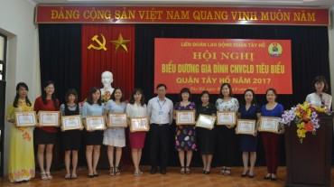 LĐLĐ quận Tây Hồ: Biểu dương 51 gia đình CNVCLĐ tiêu biểu