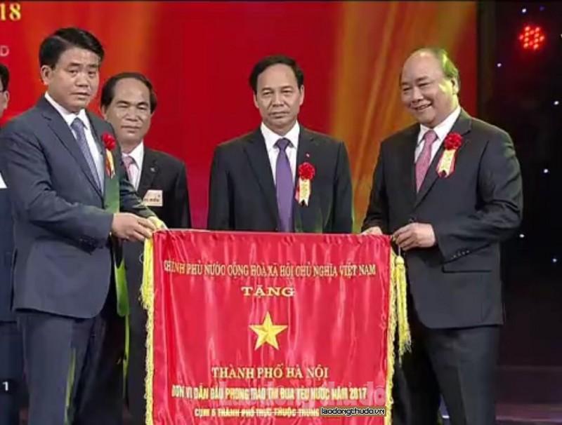 TP Hà Nội được Chính phủ tặng Cờ dẫn đầu phong trào thi đua khối cụm