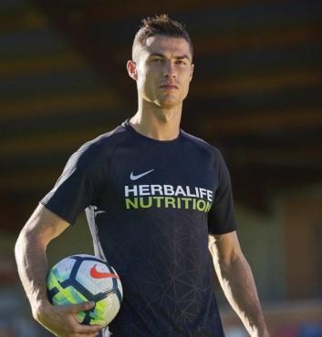 Herbalife sẽ tài trợ cho danh thủ Cristiano Ronaldo đến năm 2021