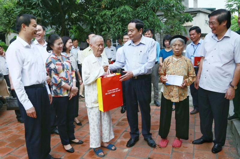 Quỹ 'Đền ơn đáp nghĩa' đến với gia đình chính sách tỉnh Vĩnh Phúc