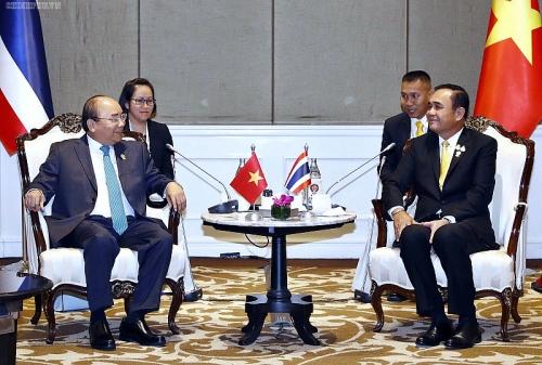 Thủ tướng Nguyễn Xuân Phúc gặp gỡ song phương bên lề Hội nghị Cấp cao ASEAN