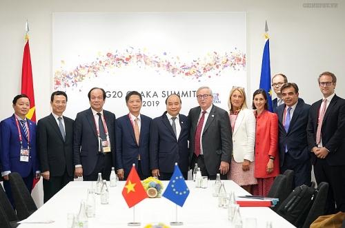 Thủ tướng bàn biện pháp tăng cường quan hệ chiều sâu với các đối tác