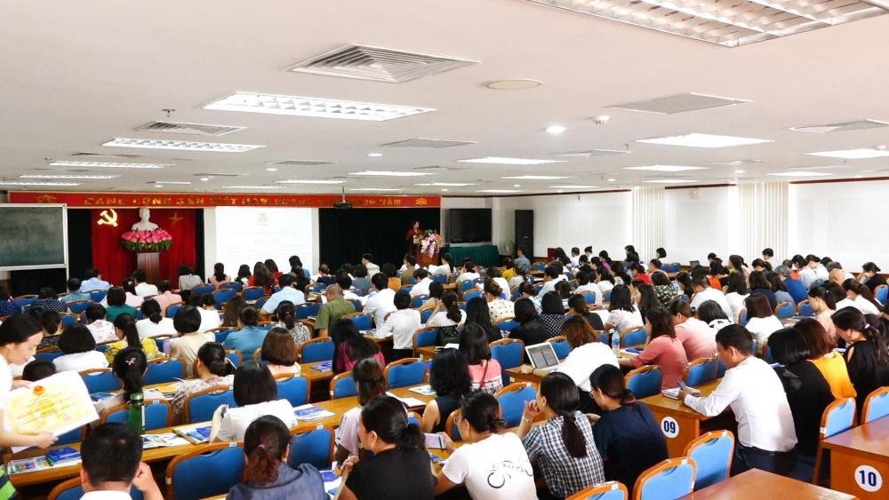 Quận Long Biên: Giới thiệu 165 đoàn viên công đoàn ưu tú cho Đảng xem xét kết nạp