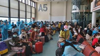 Đón gần 700 công dân Việt Nam từ Nhật Bản và Đài Loan về nước an toàn