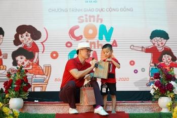 """Hơn 500 phụ huynh, cán bộ mầm non và thiếu nhi tham dự chương trình """"Sinh con, Sinh cha"""""""