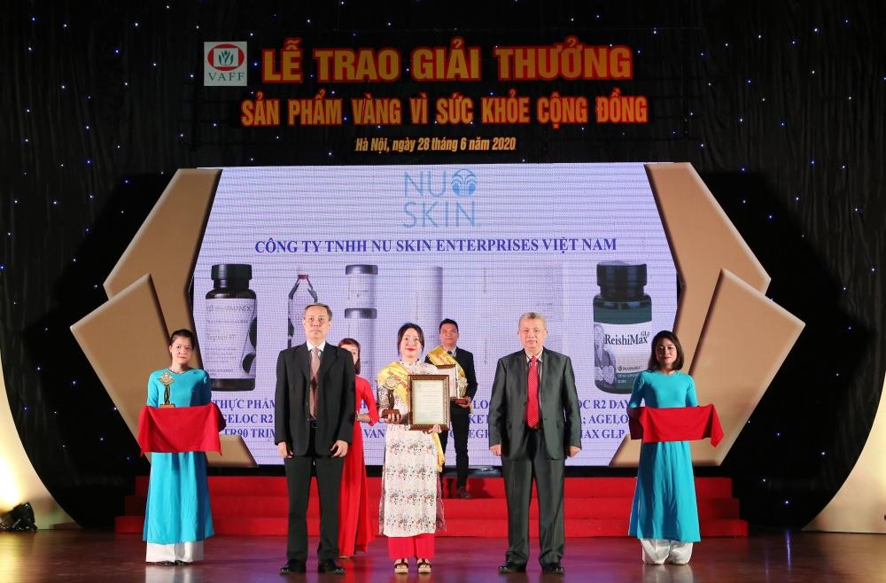 """Nu Skin Việt Nam lần thứ tư nhận Giải thưởng """"Sản phẩm vàng vì sức khỏe cộng đồng"""""""