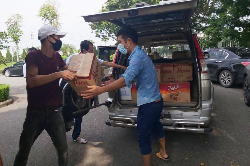 Các công đoàn cơ sở quận Long Biên chung tay hỗ trợ công nhân lao động tỉnh Bắc Giang