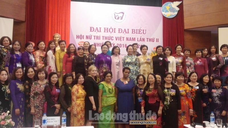 Nữ trí thức VN đẩy mạnh tham gia giám sát, phản biện xã hội