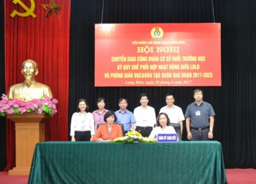 LĐLĐ quận Long Biên: Tiếp nhận thêm 89 CĐCS khối trường học
