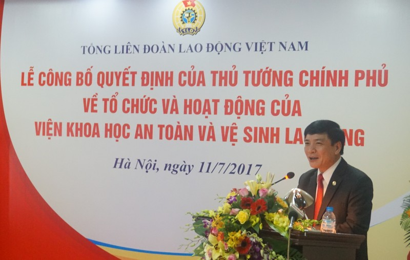 trao quyet dinh cho vien dau nganh ve an toan ve sinh lao dong