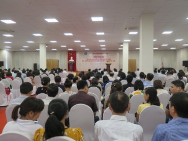 BHXH Việt Nam quán triệt Nghị quyết Trung ương 7 tới người lao động