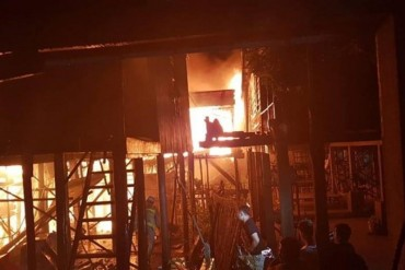 Chuyển 1,4 tỷ đồng hỗ trợ 70 gia đình bị hỏa hoạn tại Campuchia