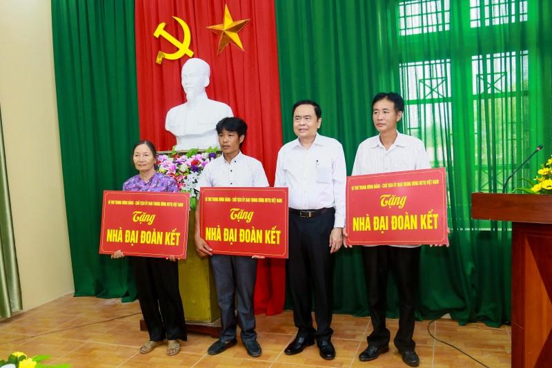 tham tang qua dong vien cac doi tuong chinh sach tai bac ninh
