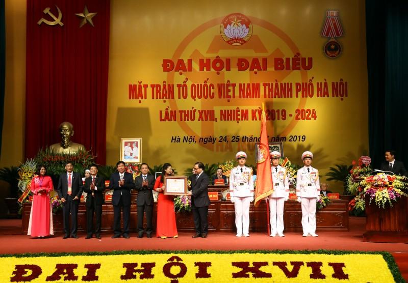 Ủy ban MTTQ Việt Nam thành phố Hà Nội đón nhận Huân chương Độc lập hạng Nhất