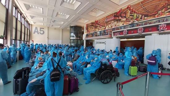 Đưa hơn 300 công dân Việt Nam từ Đài Loan về nước