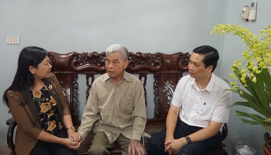 Lãnh đạo Mặt trận Tổ quốc Thành phố thăm, tặng quà gia đình thương binh huyện Thanh Trì