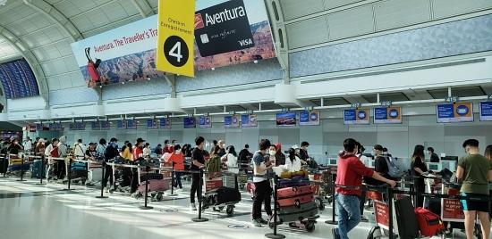 Thêm 3 chuyến bay đưa công dân Việt Nam về nước tránh dịch