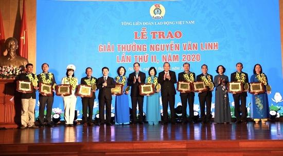Tôn vinh 10 cán bộ công đoàn tiêu biểu được trao Giải thưởng Nguyễn Văn Linh lần thứ hai