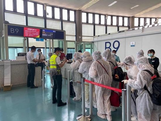 Thêm 3 chuyến bay đón hơn 850 công dân Việt Nam về nước
