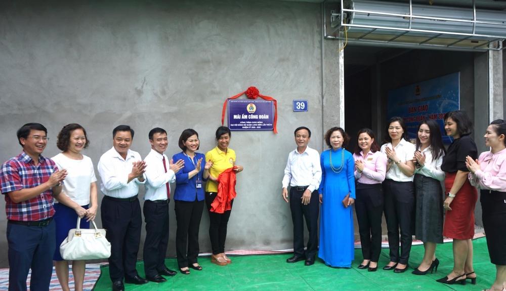 Thêm một đoàn viên công đoàn quận Long Biên được hỗ trợ kinh phí xây dựng Mái ấm công đoàn
