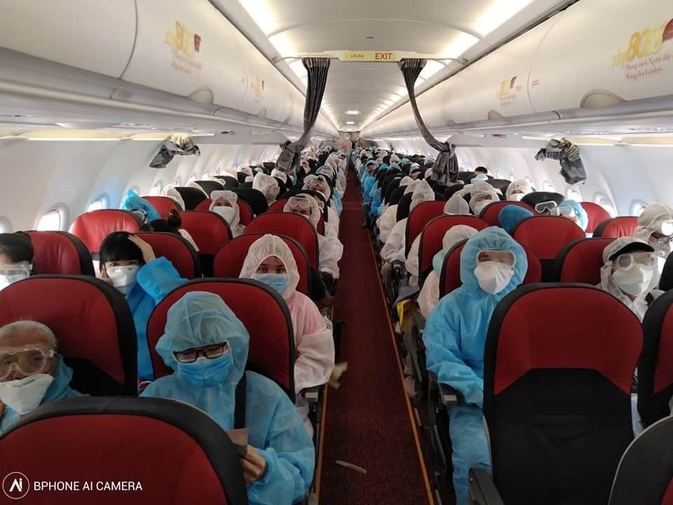Đưa 450 công dân Việt Nam từ Myanmar và Indonesia về nước an toàn