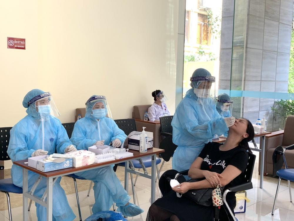Tổng Liên đoàn xét nghiệm Covid-19 cho đại biểu dự các Hội nghị tại Hà Nội