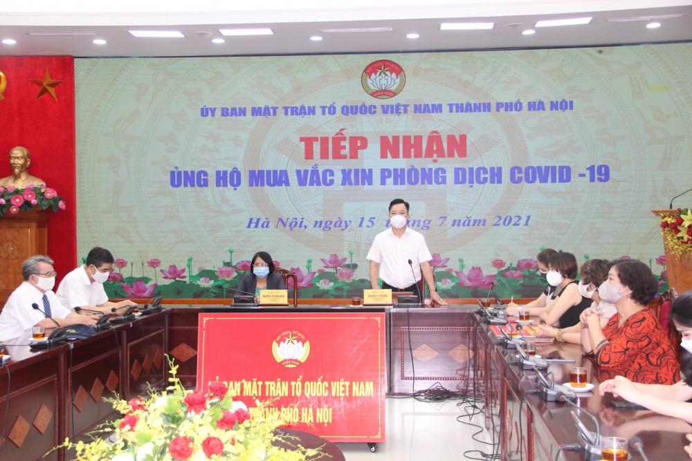 Hà Nội tiếp nhận hơn 2,3 tỷ đồng ủng hộ mua vắc xin phòng dịch Covid-19