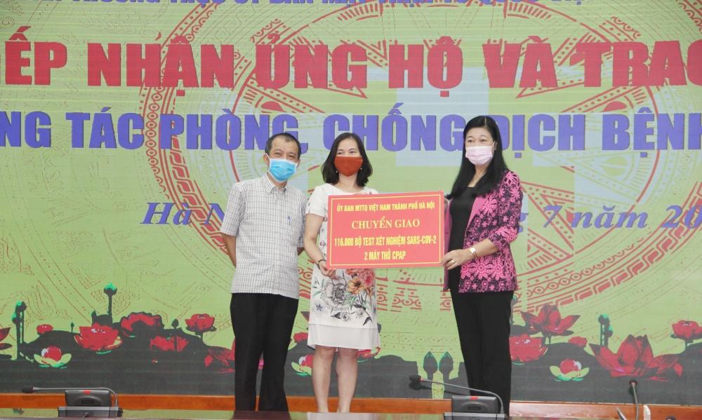 Hà Nội tiếp nhận hơn 10 tỷ đồng ủng hộ công tác phòng, chống dịch Covid-19