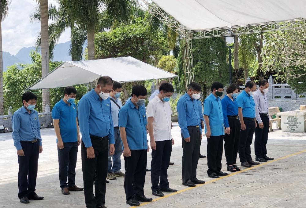 Lãnh đạo Tổng Liên đoàn Lao động Việt Nam tri ân các Anh hùng liệt sĩ tại Hà Giang